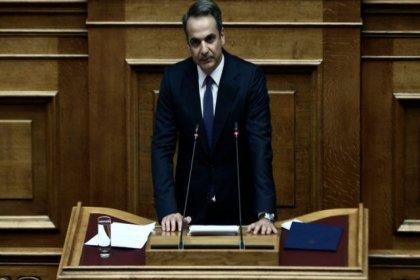 Yunanistan parlamentosu, batıdaki kara sularının 12 mile çıkarılmasını onayladı